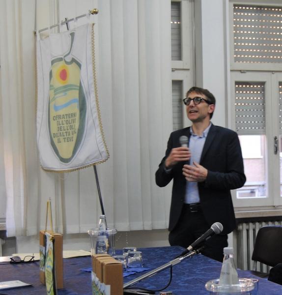 Il relatore Sig. Raul Ranieri titolare dell'omonimo oleificio