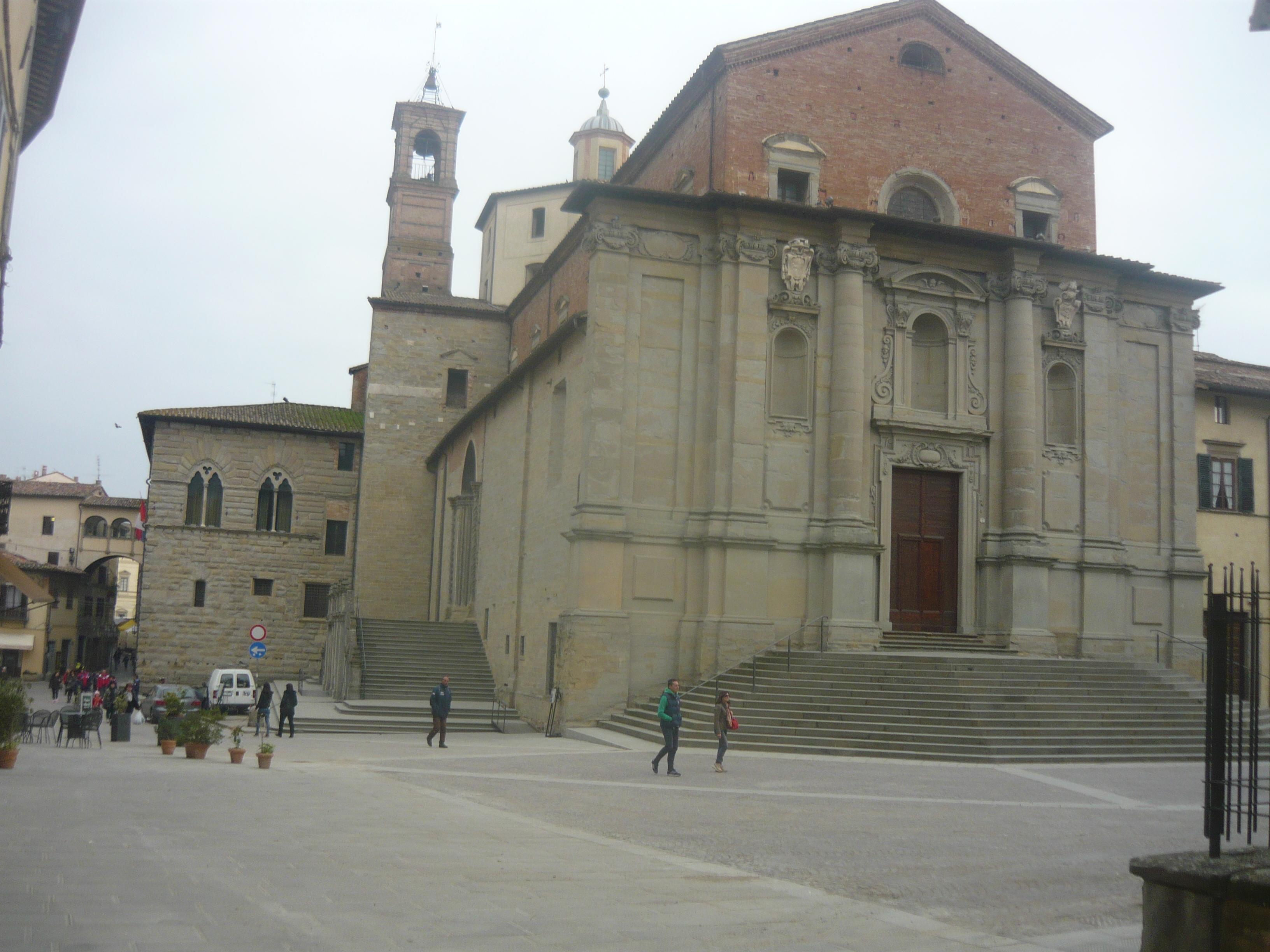Cattedrale di S. Florido e S. Amanzio ingresso principale