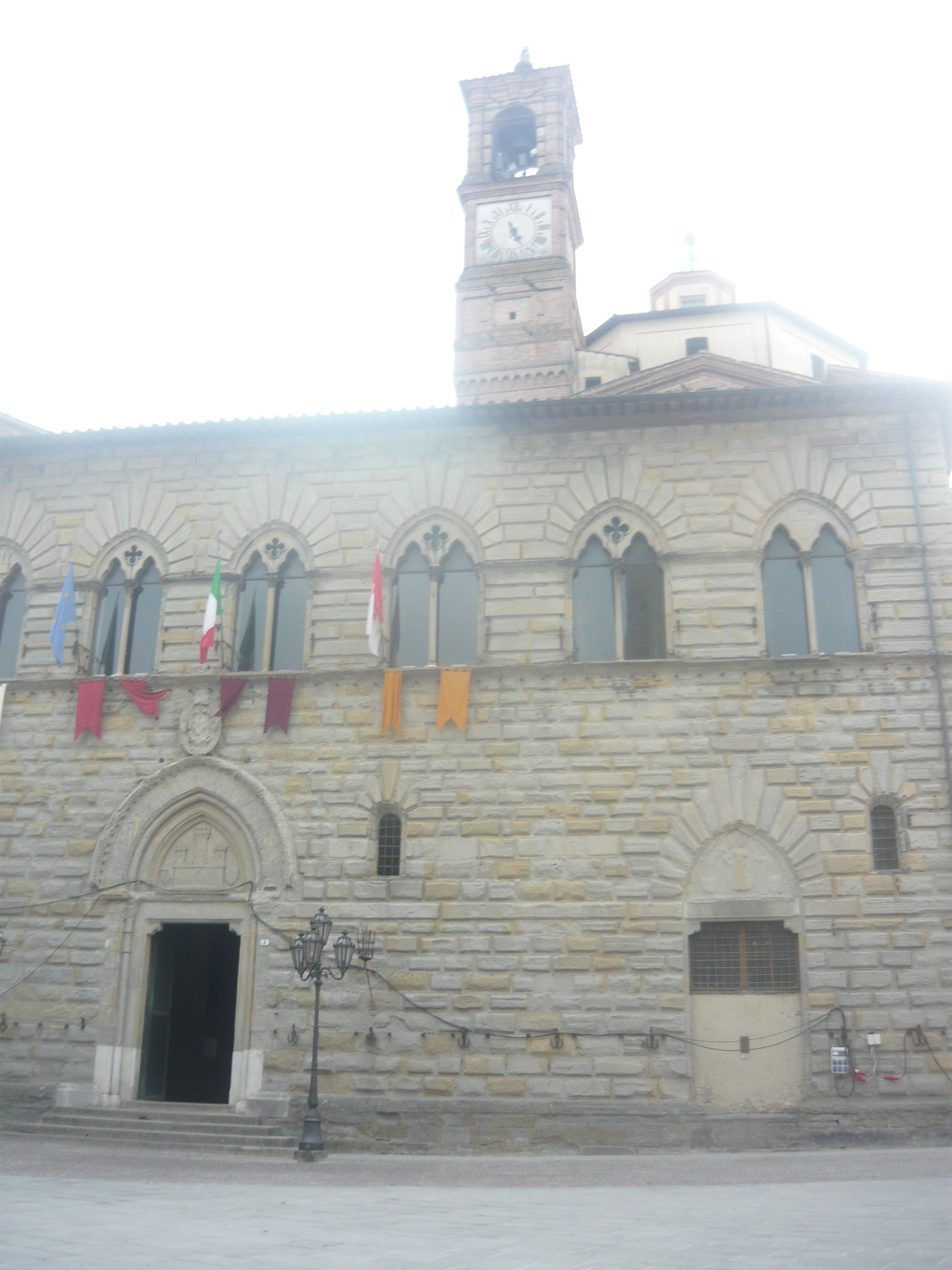 Palazzo Comunale Arte Gotica Italiana XII Secolo